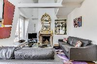 tastefully-decorated 1-bedroom Paris luxury apartment