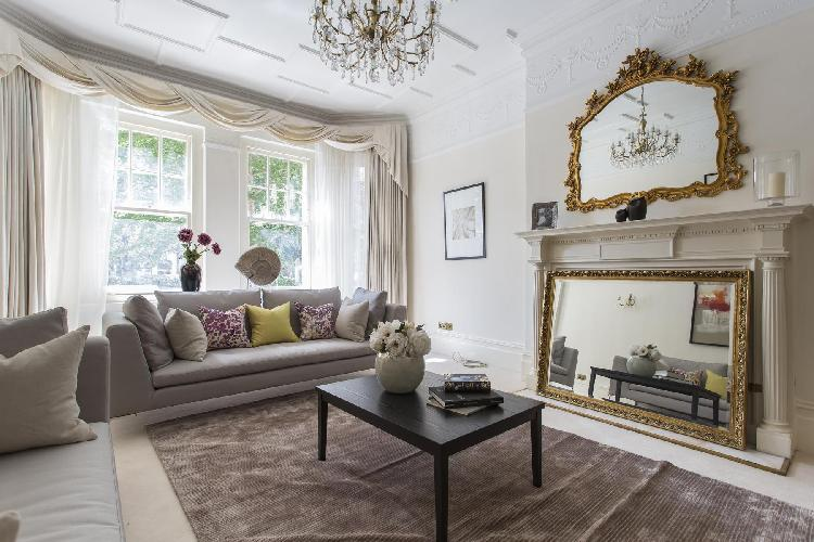 beautiful London Oakwood Court IV luxury apartment and holiday home