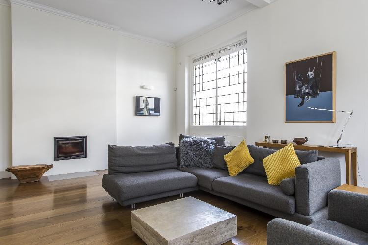 tastefully furnished London Great Percy Street III luxury apartment