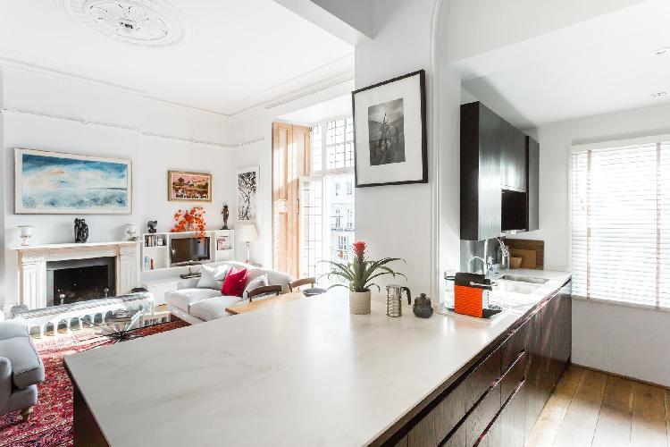 spacious London Pembridge Villas IV luxury apartment