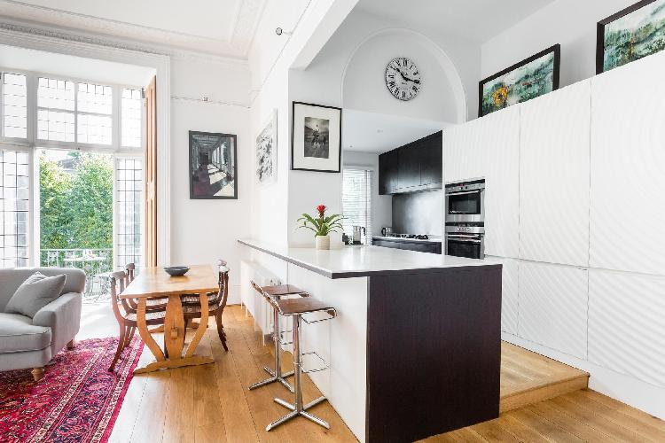 charming and chic London Pembridge Villas IV luxury apartment