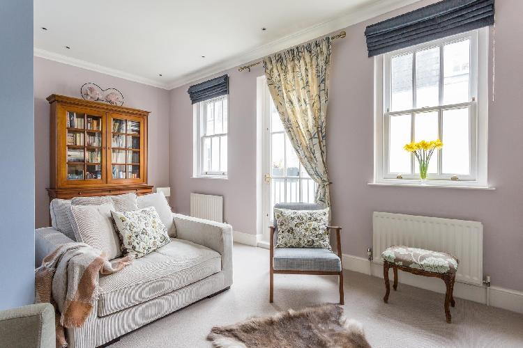 charming London Wetherby Mews luxury apartment and holiday home