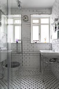 neat and fresh toilet in London De Walden Street luxury apartment