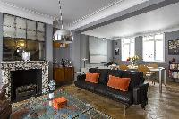 pleasant and placid West End London De Walden Street luxury apartment and holiday home near Bond Str