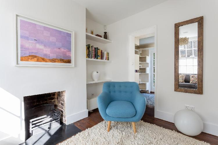 chic London Whittlesey Street luxury apartment and vacation rental