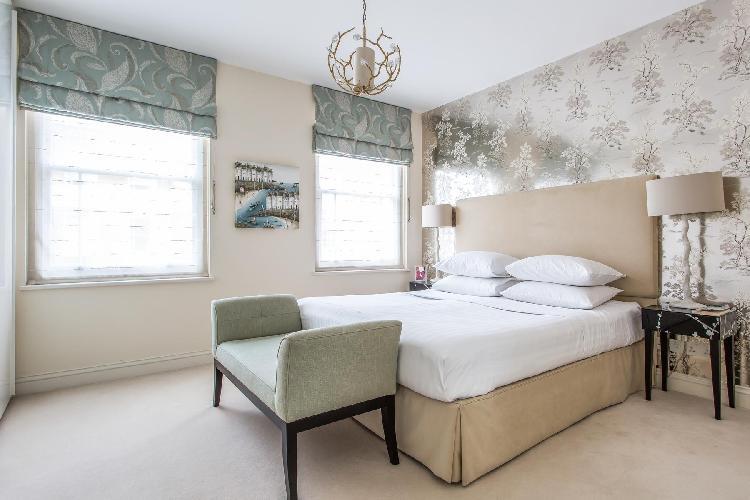 fully furnished London Ovington Street II luxury apartment