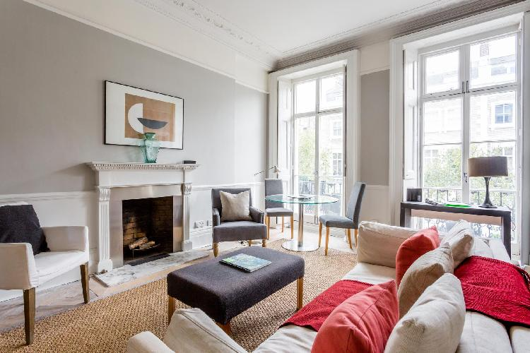 sunny and airy London Cranley Place IV luxury apartment and holiday home