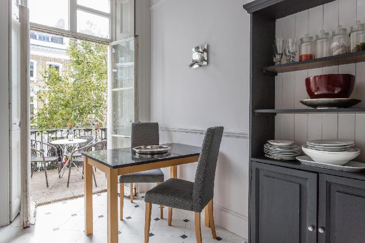 airy and sunny London Cranley Place IV luxury apartment and vacation rental