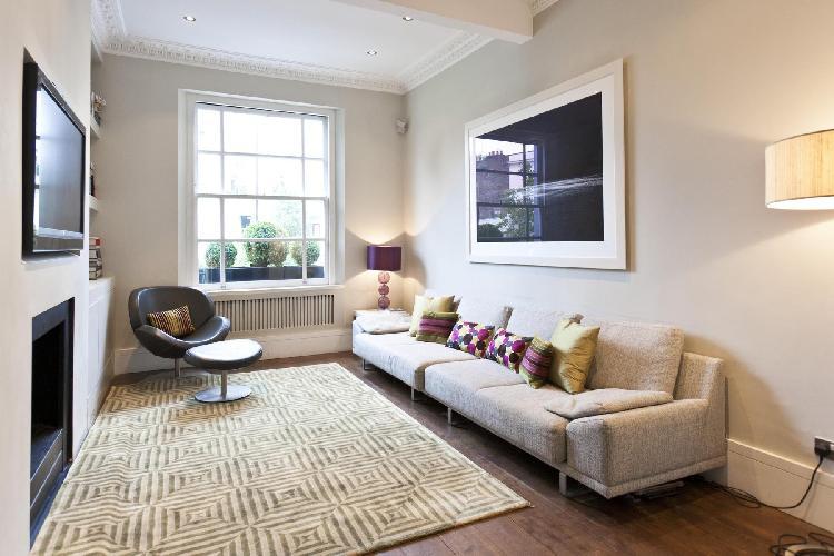 snug and serene  London Chepstow Villas luxury apartment