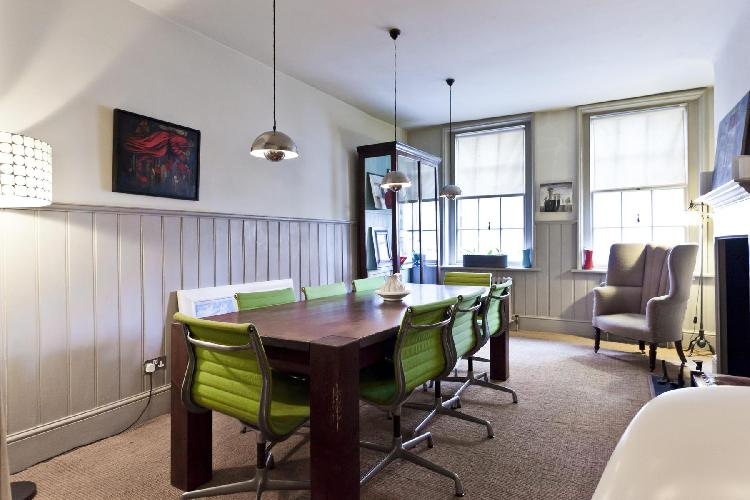 beautiful London Fournier Street luxury apartment and holiday home