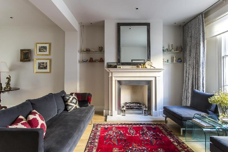 charming and cheery London Campden Street II luxury apartment and holiday home