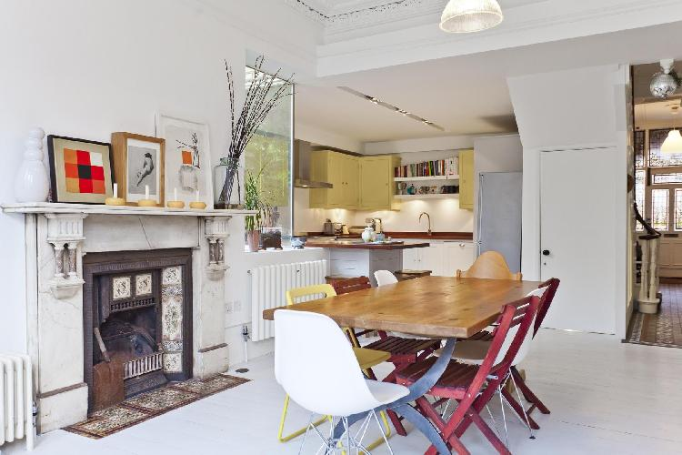 dining area of London Aberdeen Road luxury apartment