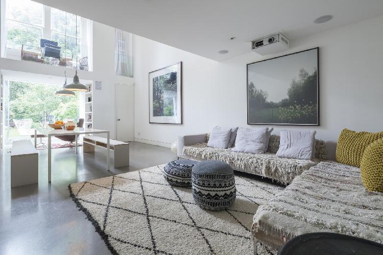 sunny and airy London Brondesbury Road luxury apartment