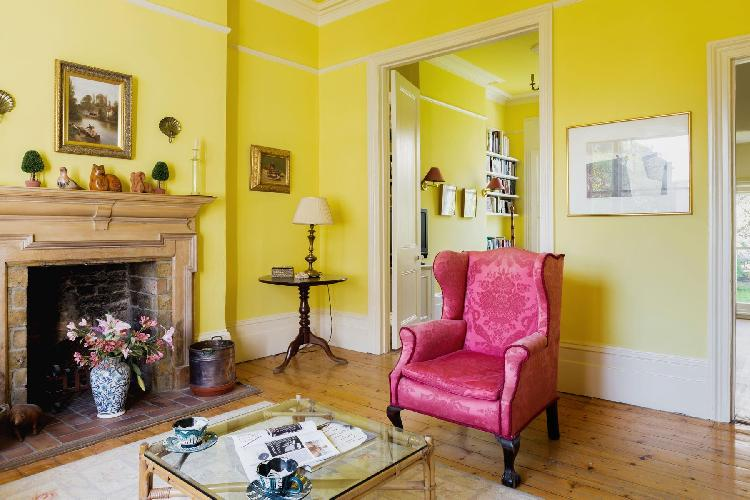 cheery and chic London Gloucester Crescent II luxury apartment and vacation r