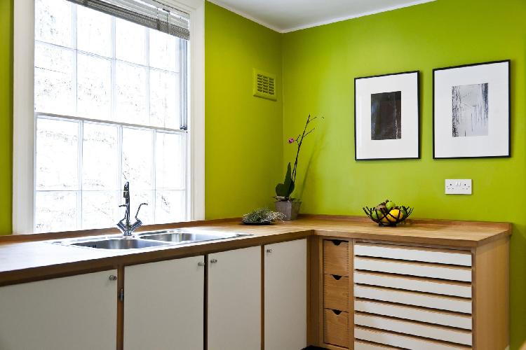 charming and chic kitchen of London Cornwall Road luxury apartment and vacation rental