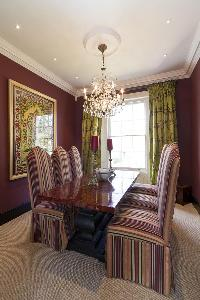 dining-room chandelier in London Alwyne Villas luxury apartment