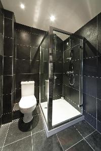 swanky washroom in London Alwyne Villas luxury apartment