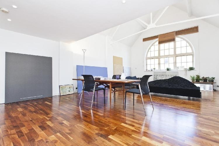 beautiful London Hoffman Square luxury apartment and holiday home