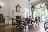 dining room with a balcony in London Albert Terrace luxury apartment