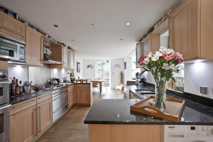 incredible kitchen of London Ladbroke Square II luxury apartment
