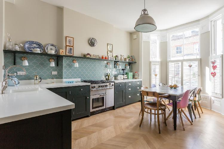 spacious, well-appointed kitchen in London Brussels Road luxury apartment and vacation rental