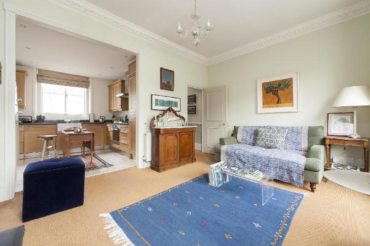 charming London Clarendon Road III luxury apartment and holiday home
