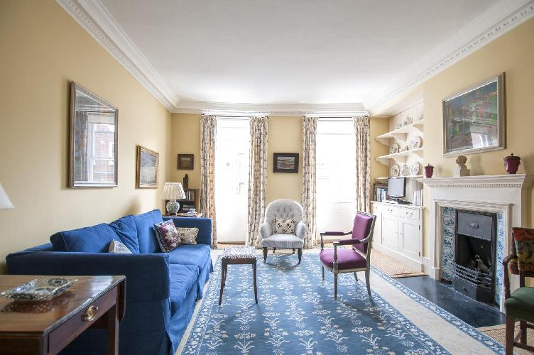 lovely London Kensington Church Street luxury apartment and holiday home