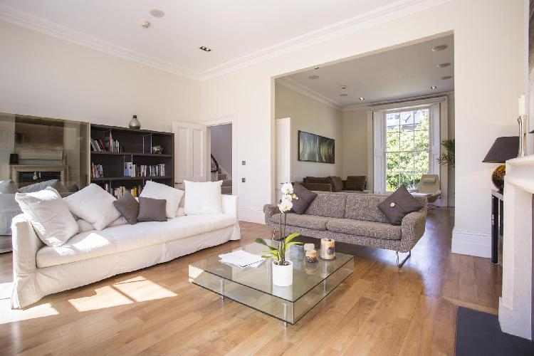 tastefully furnished living room of London Clifton Hill luxury apartment and vacation rental