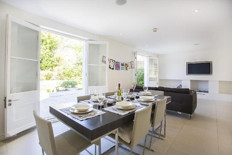 bright and breezy dining room of London Clifton Hill luxury apartment