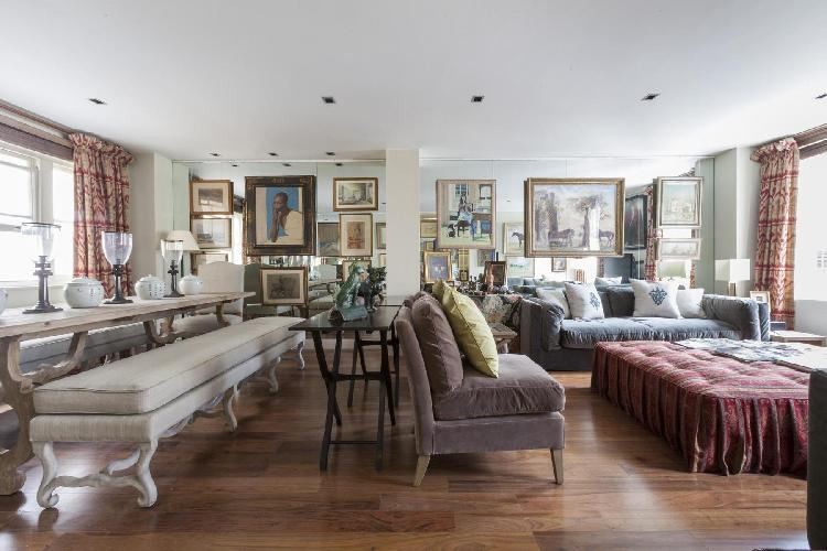 beautiful London Grosvenor Gardens Mews South luxury apartment and holiday home