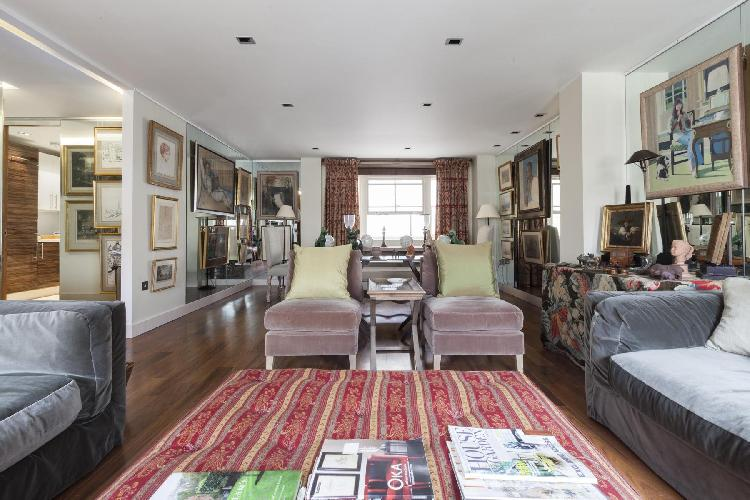 exquisite London Grosvenor Gardens Mews South luxury apartment and vacation rental