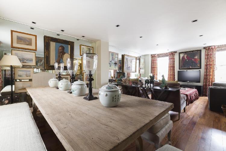 charming London Grosvenor Gardens Mews South luxury apartment