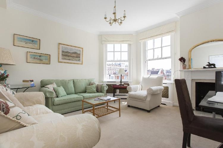 beautiful London Thurloe Court luxury apartment and holiday home