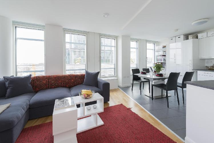 beautiful Central London Earnshaw Street luxury apartment and holiday home in West End's Holborn, ne