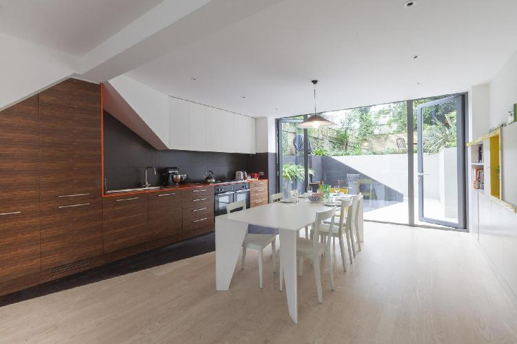 awesome London Ramsden Road luxury apartment and vacation rental