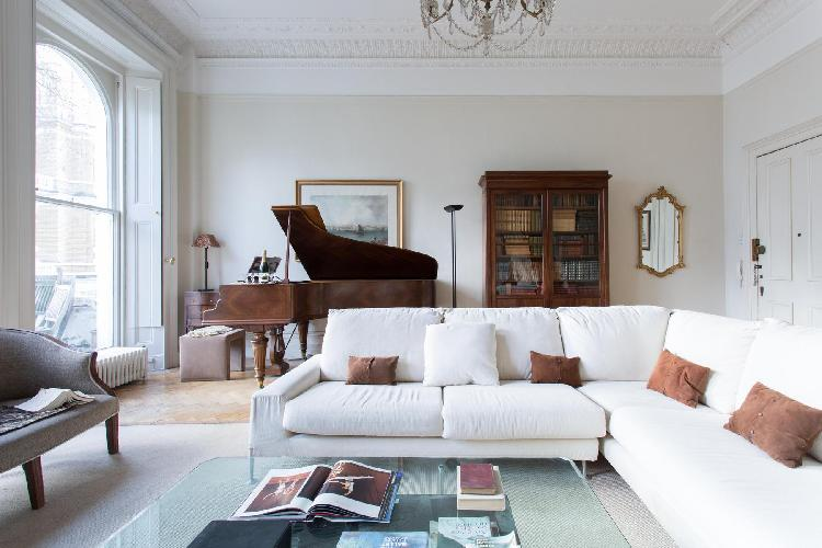 beautiful living room of London Cornwall Gardens VI luxury apartment and holiday home