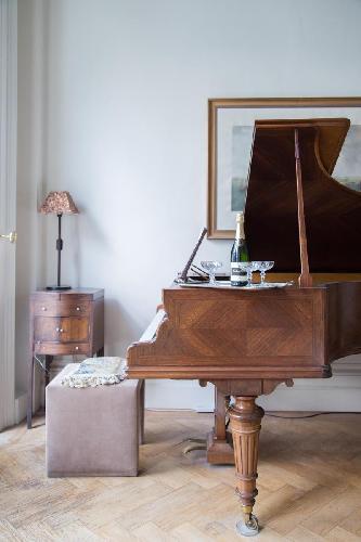 beautiful grand piano in London Cornwall Gardens VI luxury apartment