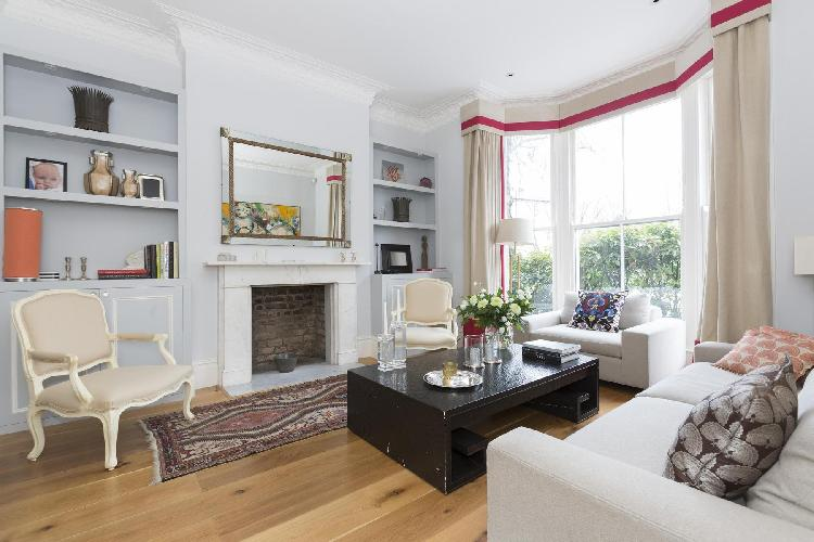 exquisite London Warwick Gardens II luxury apartment and vacation rental