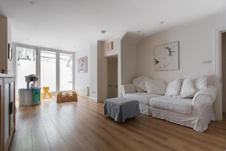 beautiful London Pitt Street luxury apartment and holiday home