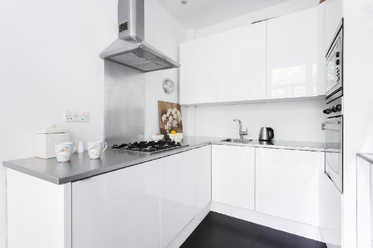 fully furnished London Porchester Square III luxury apartment
