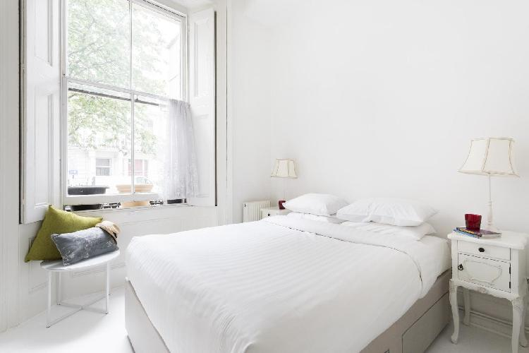 lovely bedroom in London Porchester Square III luxury apartment