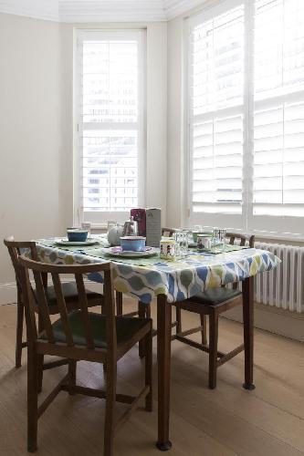 delightful dining area in London Redcliffe Square VI luxury apartment