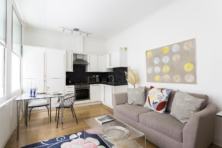 charming London Villiers Street luxury apartment and holiday home