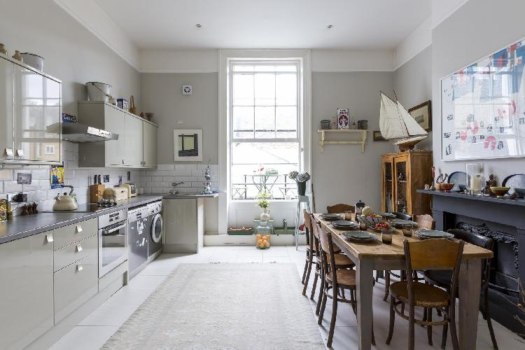 delightful London Chepstow Road IV luxury apartment