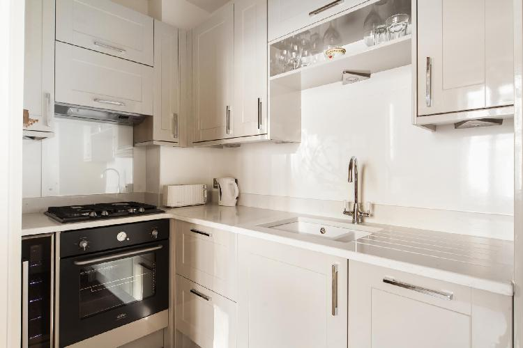 nice modern kitchen of London Horbury Crescent luxury apartment