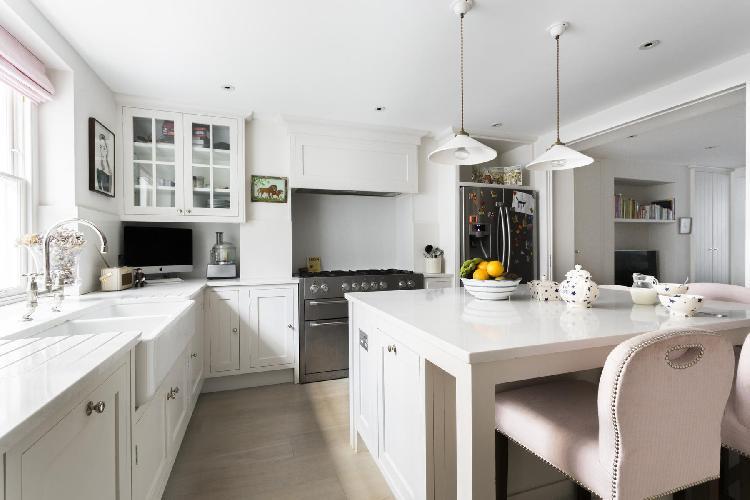 spacious London Montpelier Street luxury apartment