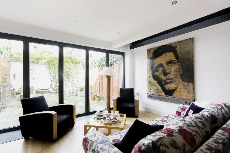 exquisite Chiswick London Esmond Road II luxury apartment and holiday home near Stamford Brook tube