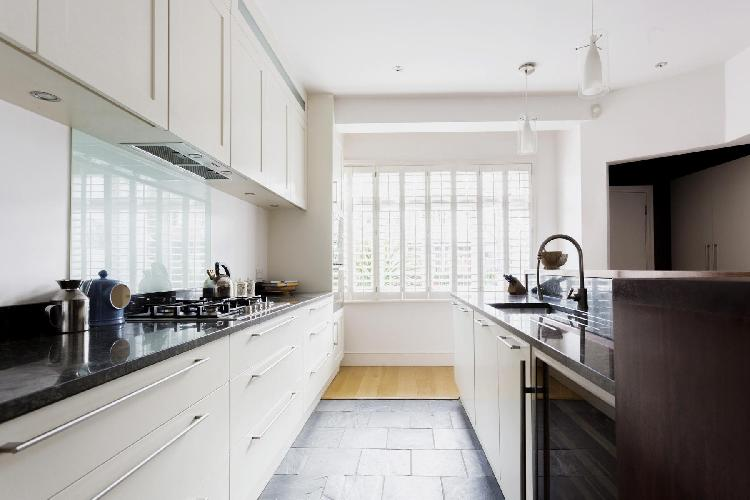spacious state-of-the-art kitchen in Chiswick London Esmond Road II luxury apartment and holiday hom