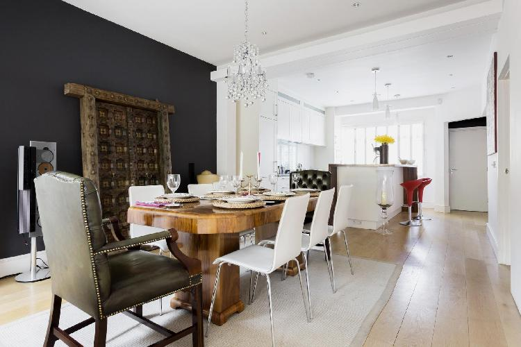 exquisite dining room of London Esmond Road II luxury apartment in Chiswick