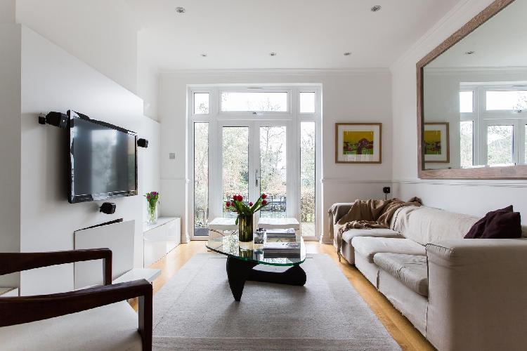 sunny and airy sitting area of London Hardinge Road luxury apartment